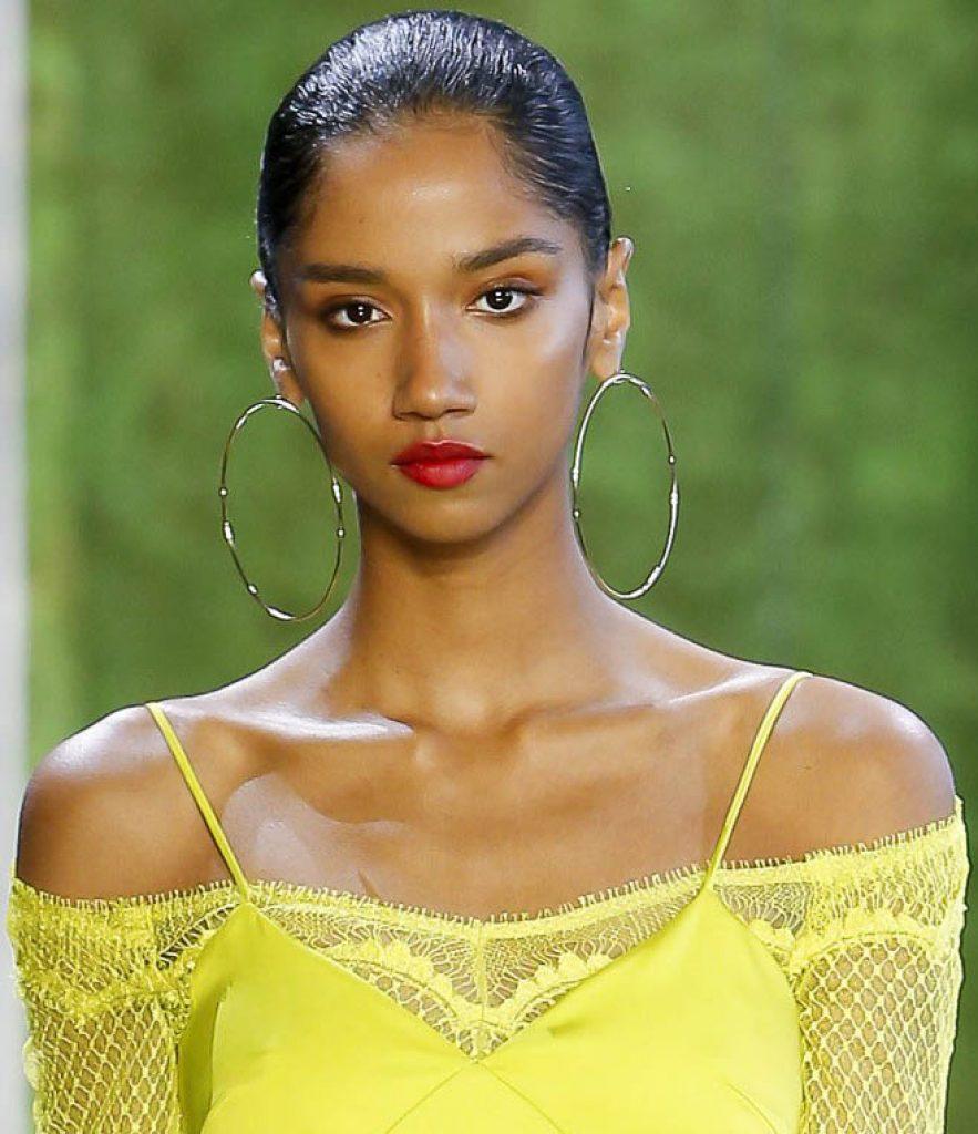 runway jewelry trends, hoop earrings