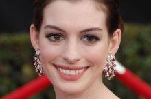 SAG Awards Red Carpet Jewelry: Gemstone Earrings